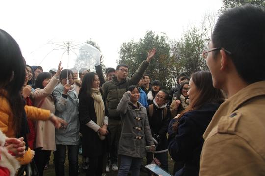 植栽校园风景线 培育勤工助学情——重庆大学虎溪