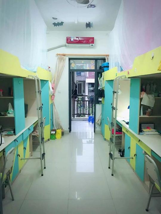 重庆大学数统学院2016级于10月起举行魅力家园- 寝室卫生文化评比图片